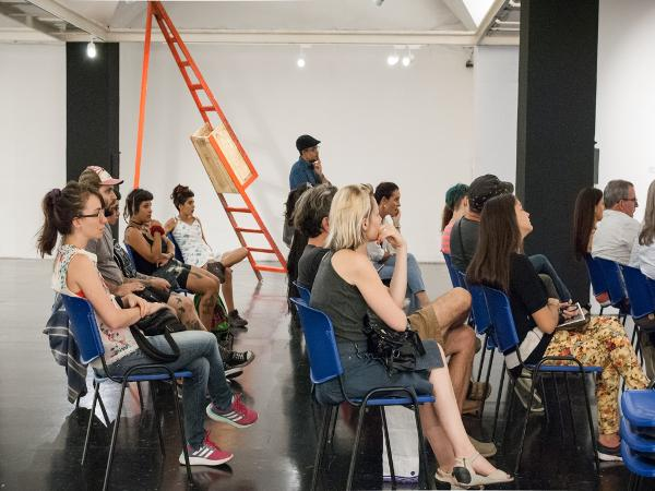 """Charla con los artistas participantes de la muestra """"Alteridades"""""""